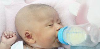 baby-drinking-formula-mixed-with-nestargel