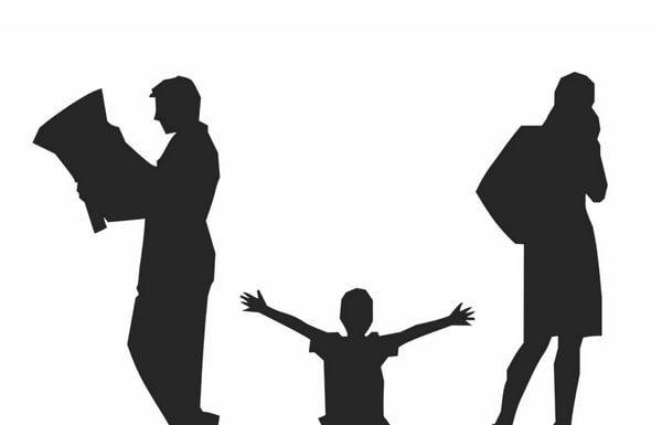 divorced-parents-ignoring-child