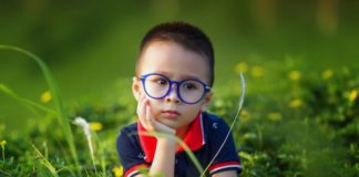 toddler-with-glasses