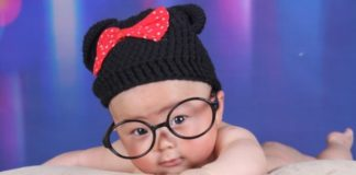 baby-wearing-glasses