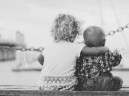 siblings-on-a-pier