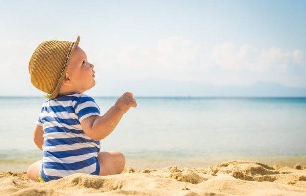 baby-on-beach-memory