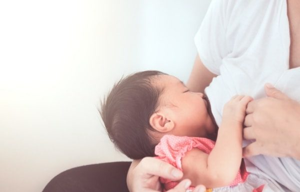 breastfeeding-baby