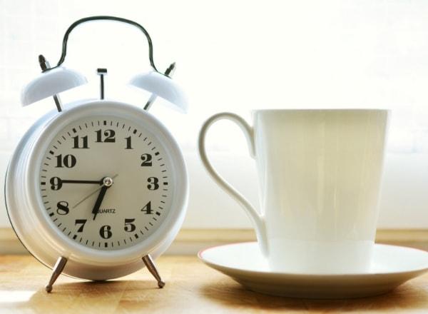 clock-with-mug