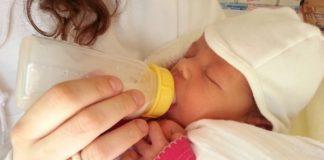 bottle-feeding-baby