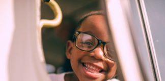 child-wearing-glasses