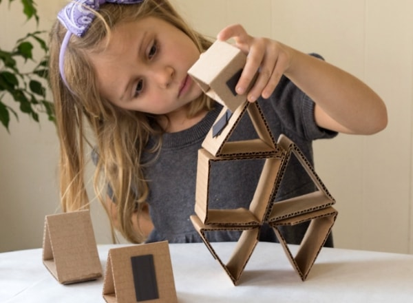 cardboard-magnetic-building-set