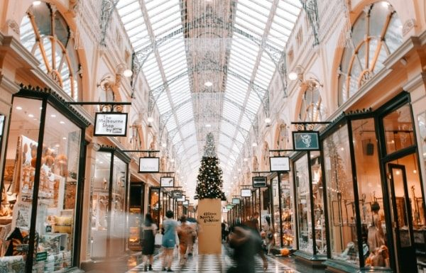 christmas-shopping-mall