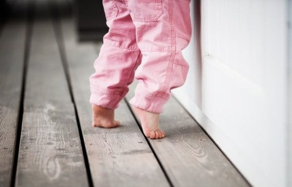 toddler-walking-on-toes