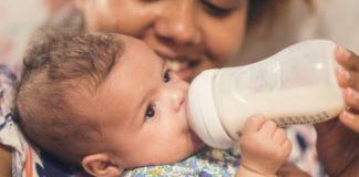 mom-bottle-feeding-her-baby