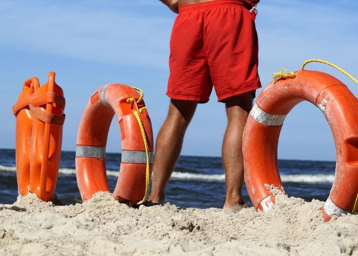 lifeguard-on-duty-keeping-swimmers-safe-at-sea