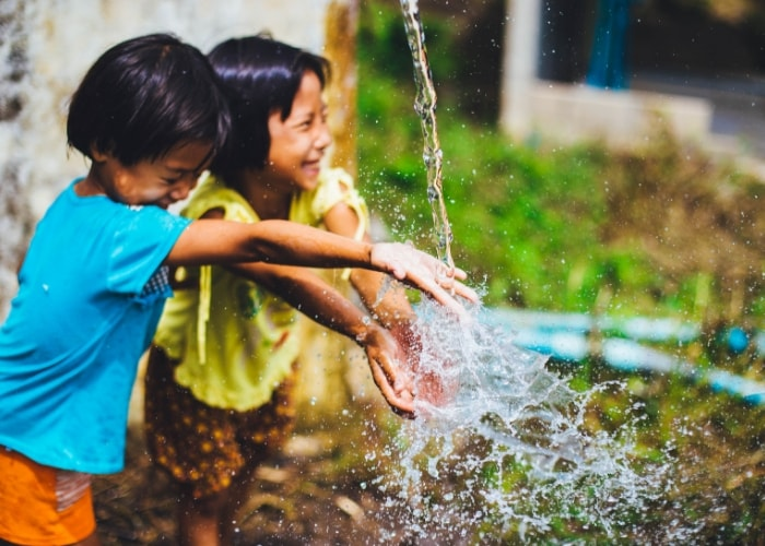 children-playing-with-water