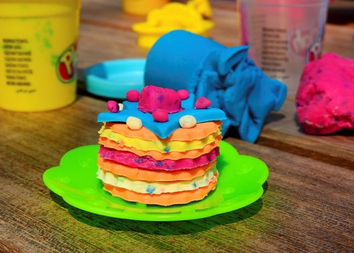 playdough-cake
