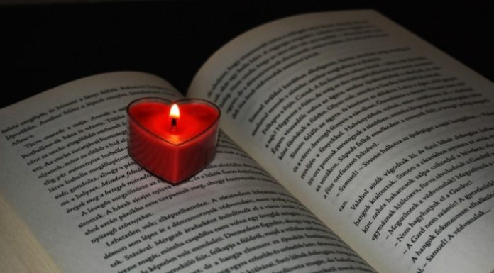 reading-by-candlelight