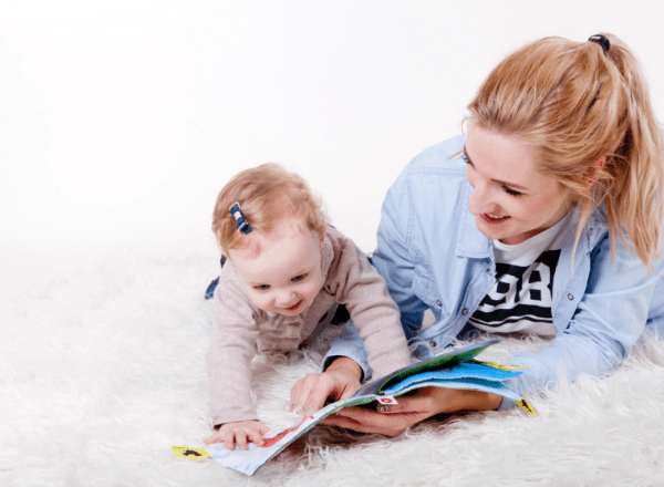 toddler-reading-with-mom