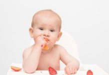 baby-weaning-onto-solids-eating-fruit-but-not-being-spoon-fed