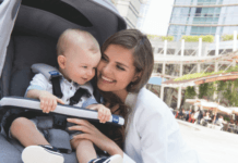 chicco-stroller-mom-with-baby