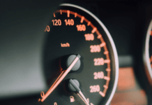 save-money-by-changing-driving-lifestyle-fuel-consumption-speedometer