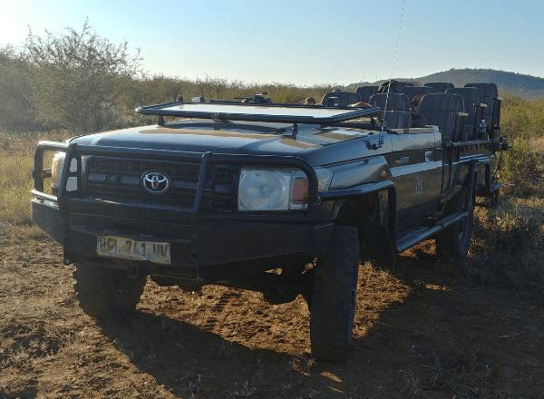tau-game-lodge-ranger-viewing-vehicle