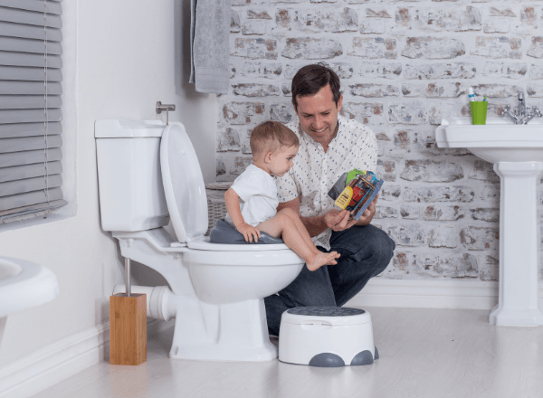 bumbo-step-n-potty-learning-how-to-use-toilet-with-dad