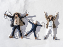 happy-family-on-ski-holiday-living-parenting-lifestyle-with-children-involvement-in-the-snow
