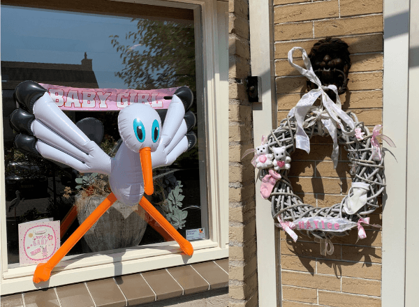 stork-and-baby-wreath-for-baby-shower-celebration-of-birth