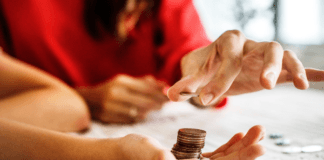 Mom counting coins to avoid Januworry