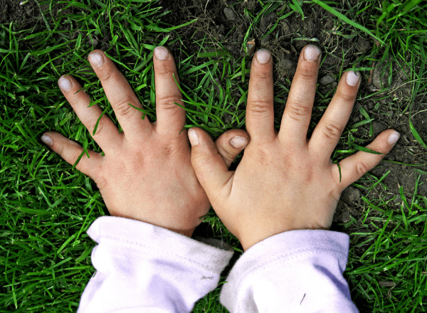 How to stop kids from biting nails: child's hands and fingernails