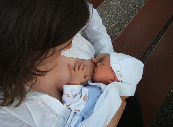 proper latch breastfeeding how to get your baby to latch: proper latch breastfeeding