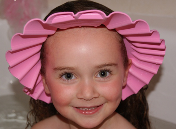 how to wash your toddler's hair without them crying: shampoo cap for washing child's hair